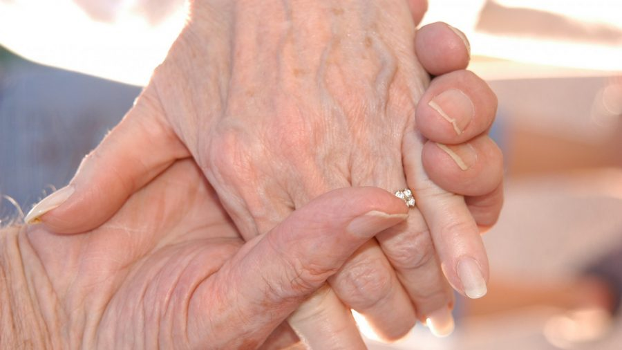 Covid-19: Married 73 years, United States  couple dies 6 hours apart