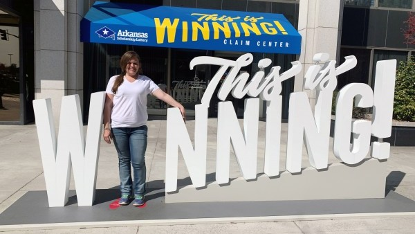 Woman Wins $150,000 Lottery Prize a Month After Losing Home
