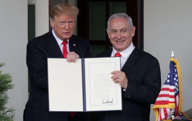 President Donald Trump (L) and Prime Minister of Israel Benjamin Netanyahu