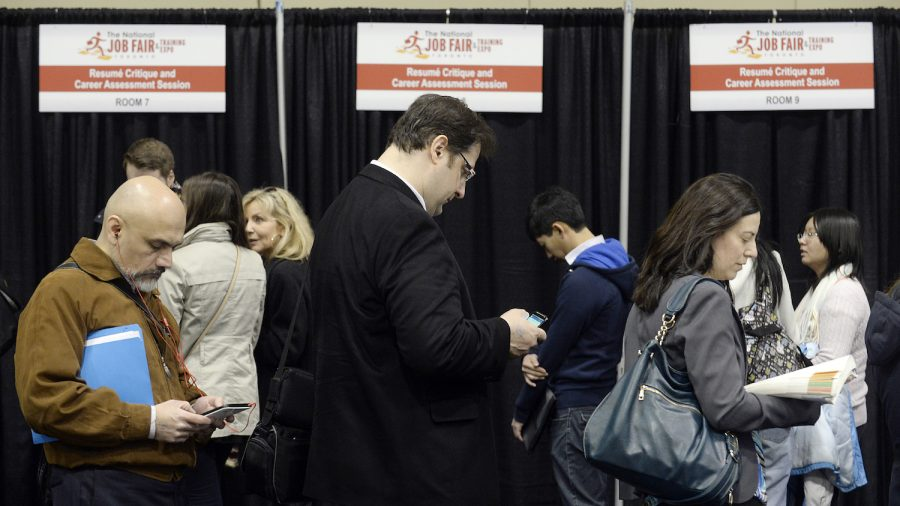 Canada loses 7000 jobs in March, unemployment still 5.8%