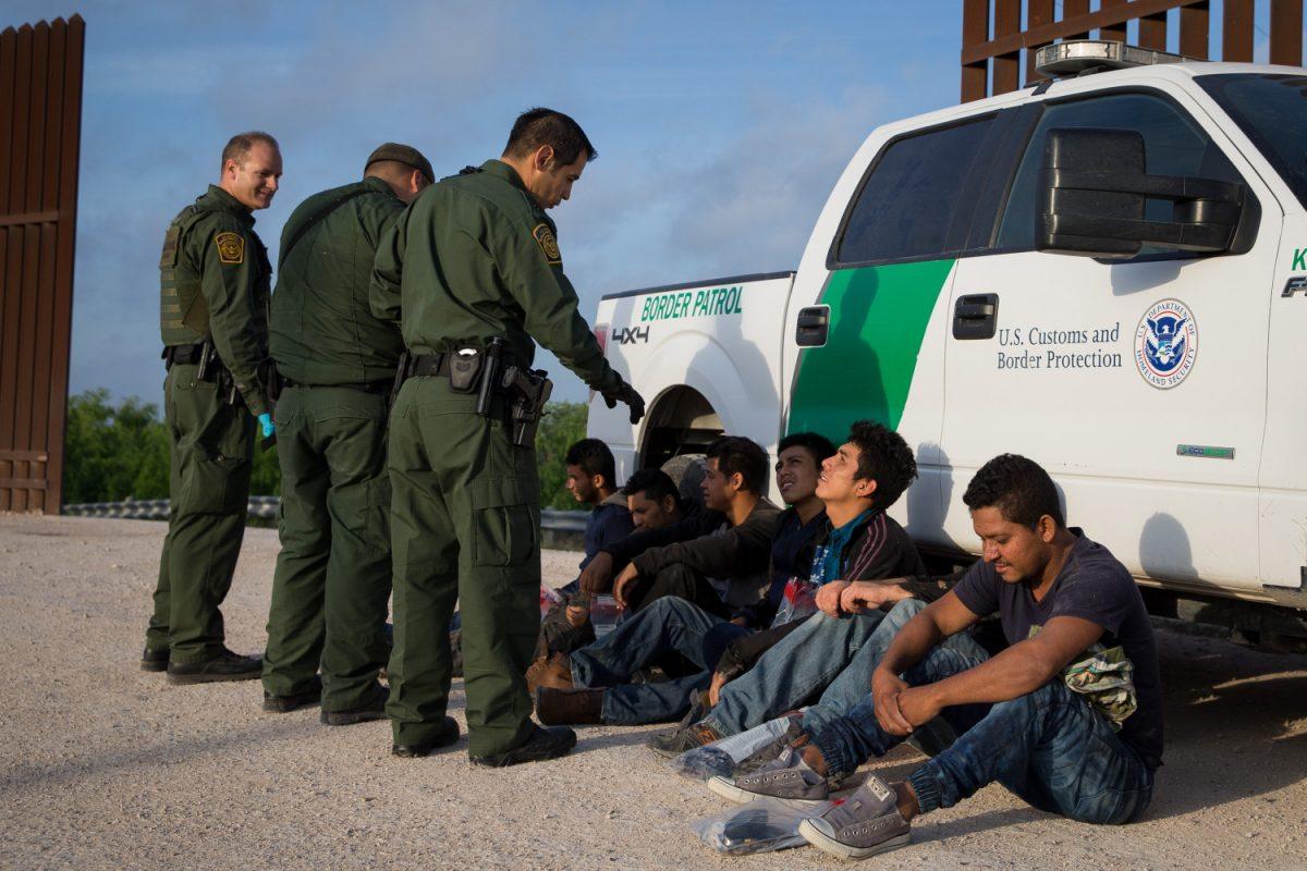 Border patrol arrest immigrants