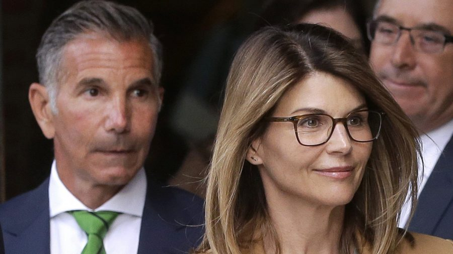Lori Loughlin Makes New Demands in College Cheating Case