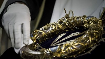 Crown of Thorns Among Relics Saved From Flames at Notre Dame; Some Still Missing