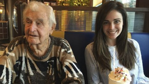 Woman Makes Sure Decorated WWII Marine Gets Hero's Farewell