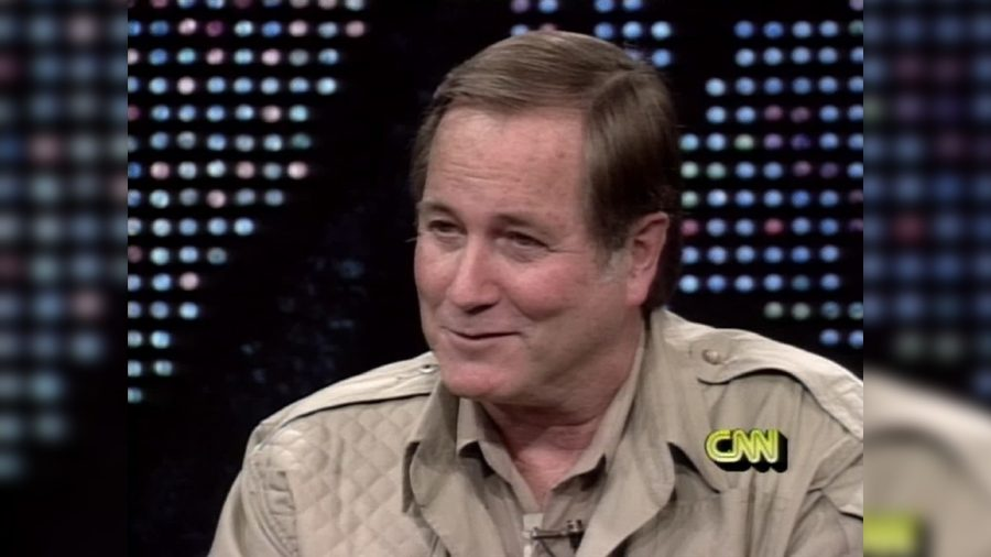 Jim Fowler, Who Hosted 'Wild Kingdom' Series, Is Dead at 89