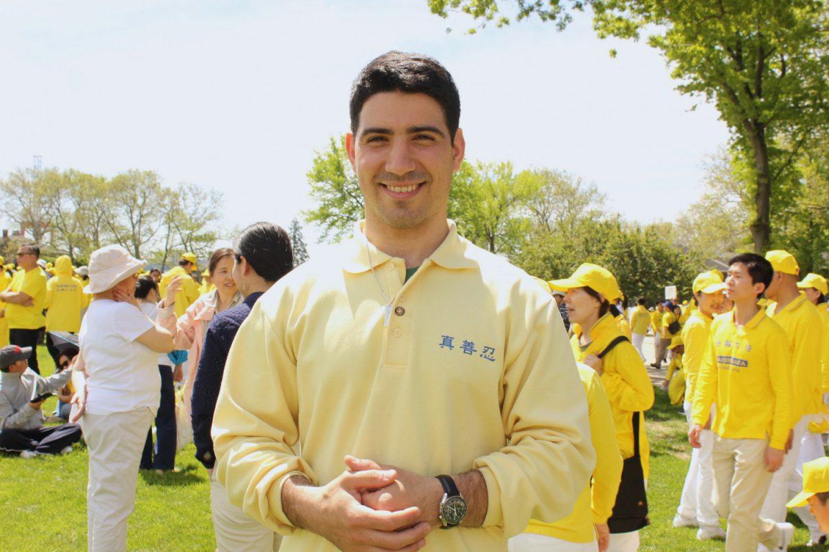Joseph Gigliotti, Canada, stands