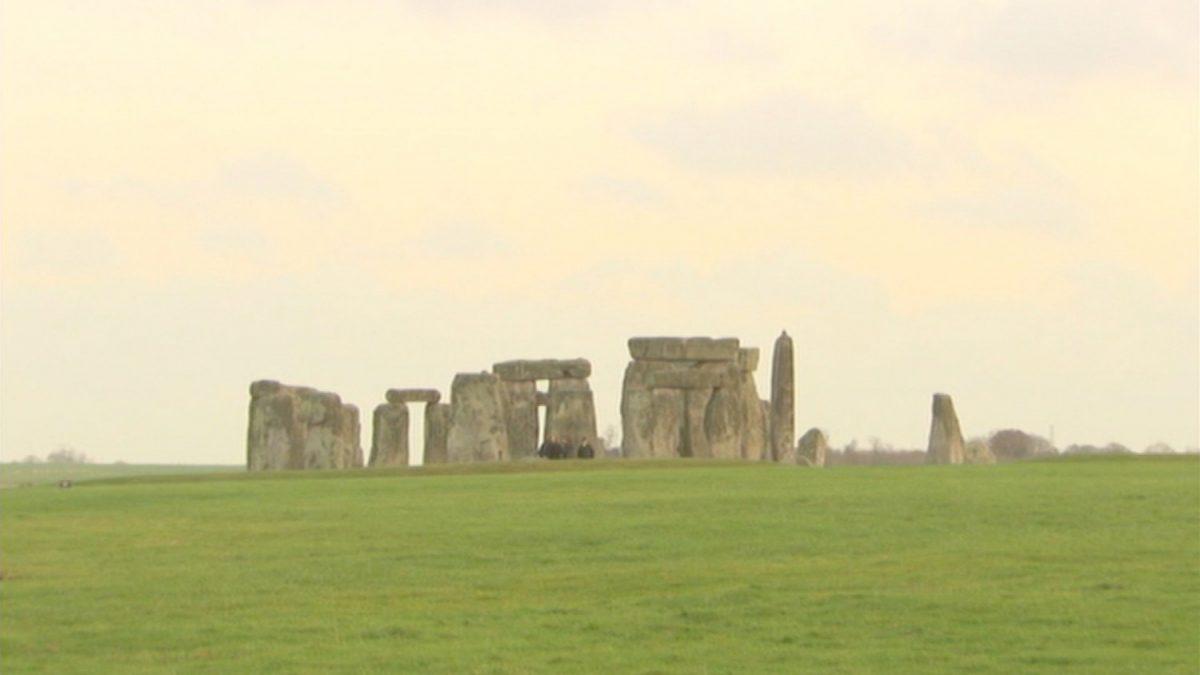 Missing stonehedge stone returned 3