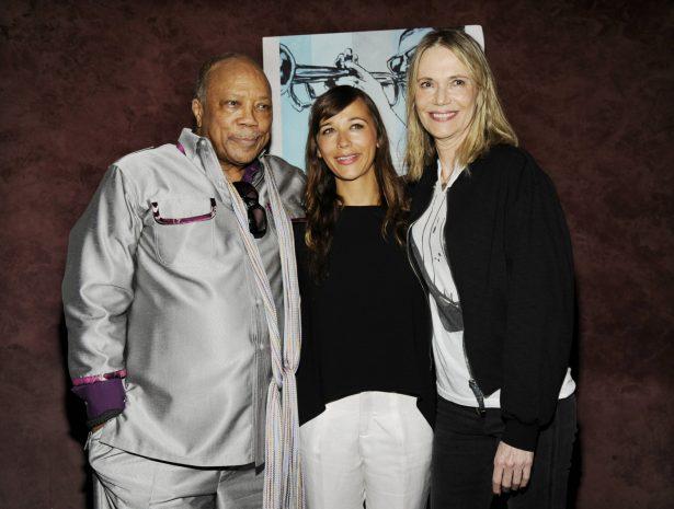 Quincy Jones poses with ex-wife Peggy Lipton and their daughter Rashida Jones