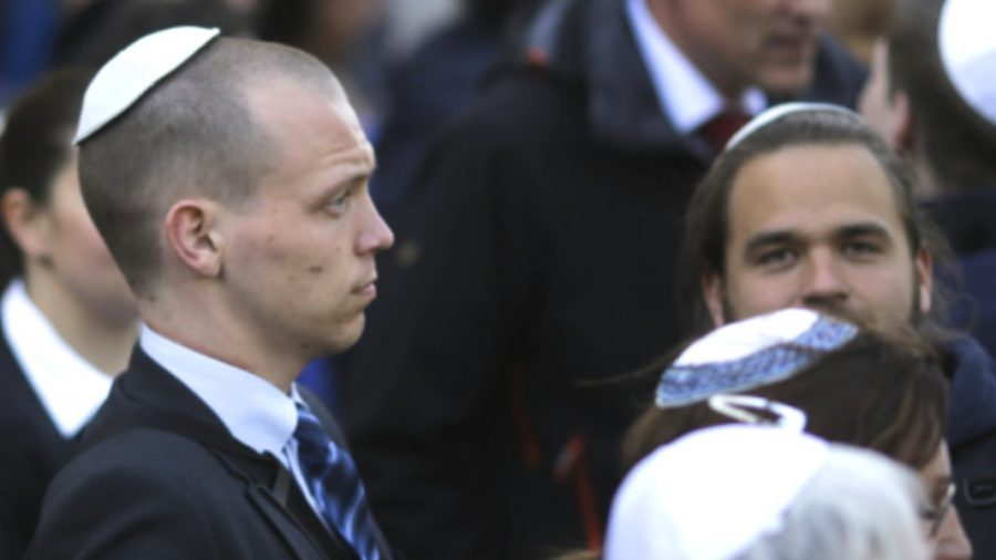 German Anti-Semitism Official Warns Jews Not to Wear Skullcaps in Public Amid Increasing Attacks