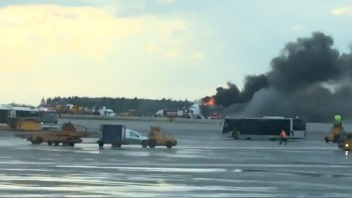 Russia airplane on fire 2