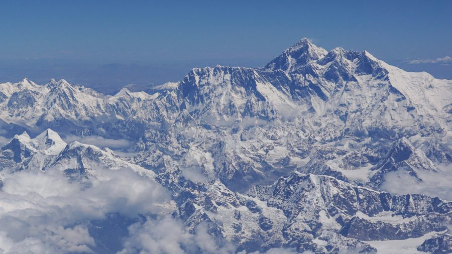 16 Deaths at Mt. Everest This Season as 'Traffic Jam' Creates Lethal Conditions