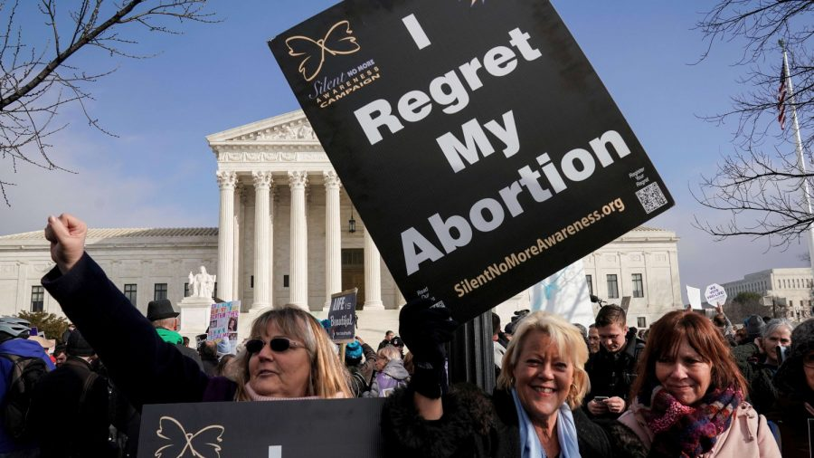 In Blow Against Planned Parenthood, Judges Rule to Let Trump Defund Abortion Clinics