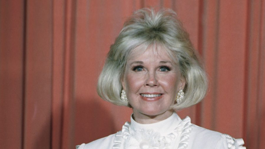 Tributes Flow in for Doris Day