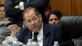 Democrats Extend Deadline for Trump to Request Impeachment Witnesses