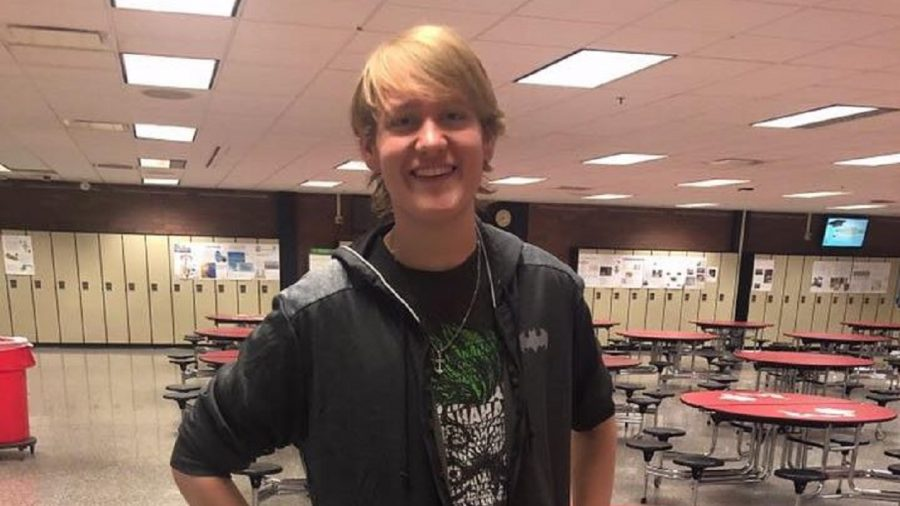 High School Student Loses Over 100 Pounds After Walking to School Every Day