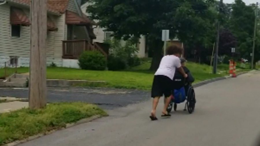 Drivers Honked as a Man in a Wheelchair Raced Home During a Storm—This Teen Stopped to Push Him All the Way