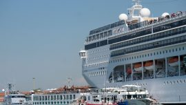 Cruise Ship Rams Tourist Boat in Busy Venice Canal, 4 Injured