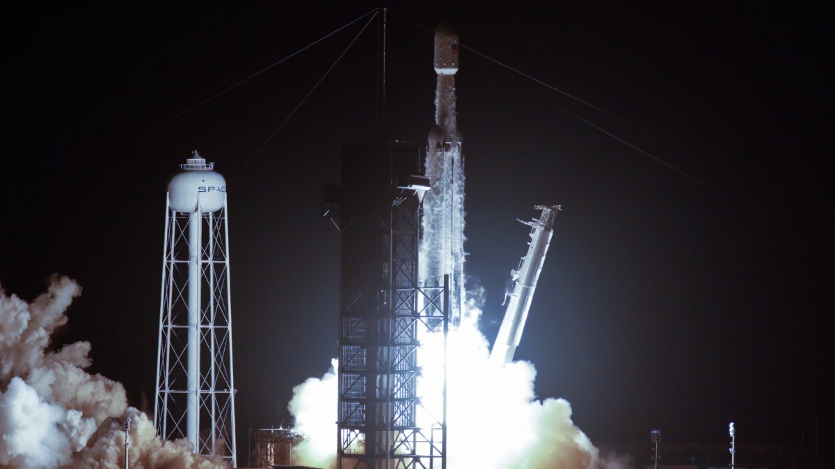 SpaceX Falcon Heavy Successfully Launches with 24 Satellites
