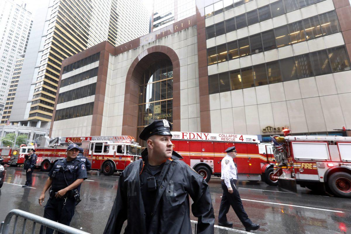 helicopter crash in midtown Manhattan
