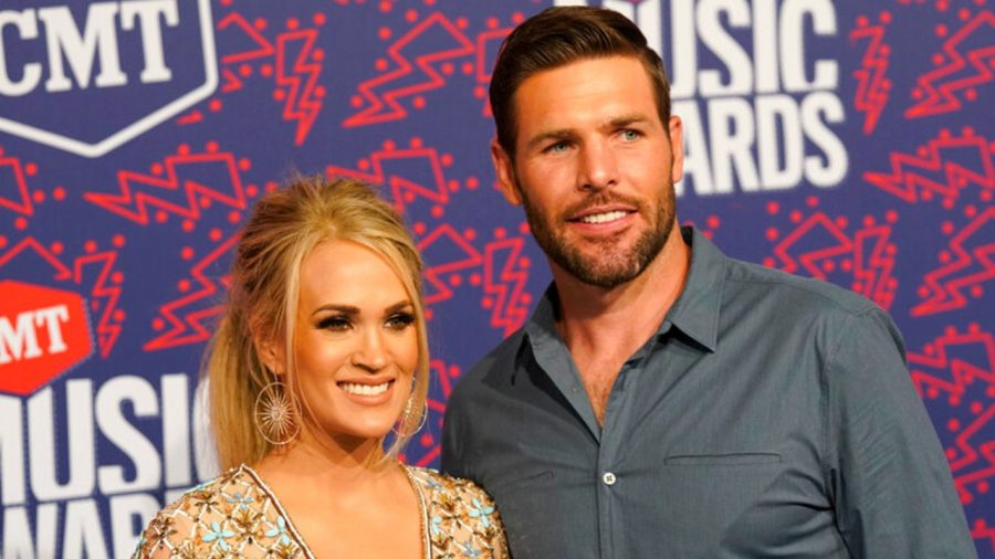 Carrie Underwood Wins at CMT Awards, Tanya Tucker Performs