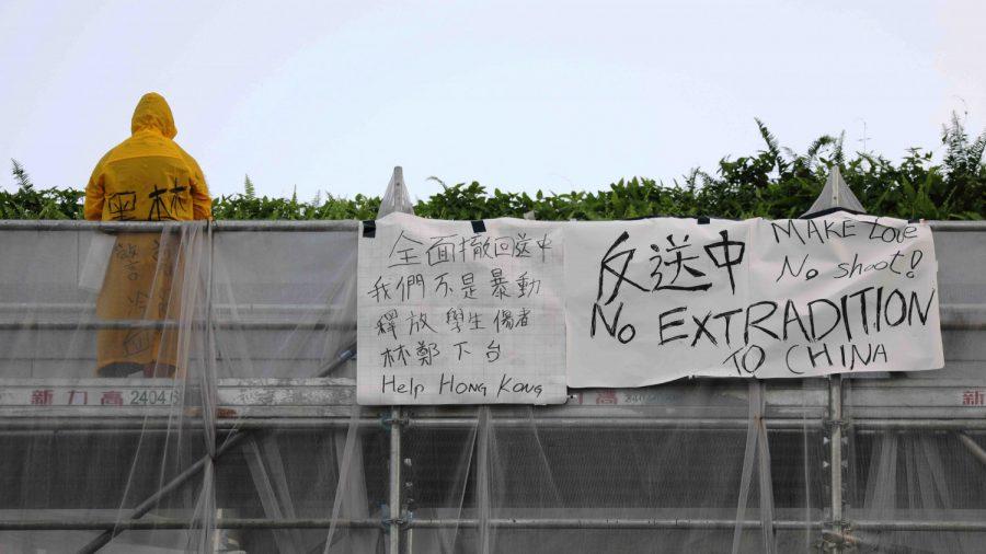 Hong Kong Protester Dies After Unfurling Banner on Side of Building