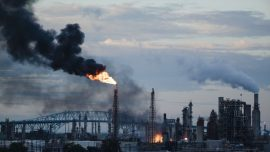 Video: Explosion Rocks Philadelphia, Starts Major Fire at Oil Refinery