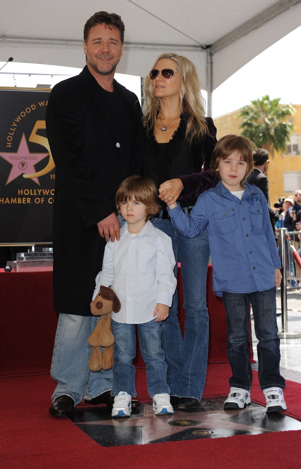 Russel Crowe and his kids