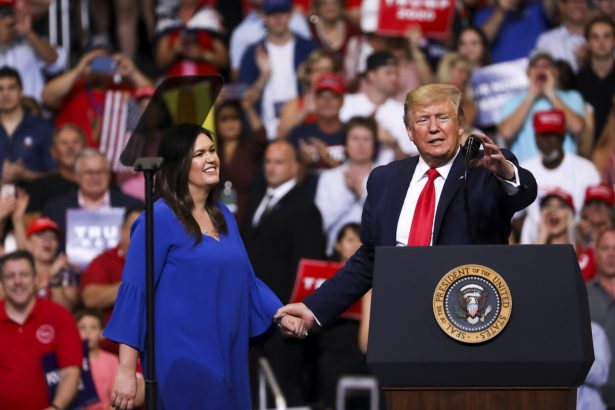 Sarah Sanders Gets Standing Ovation at Trump Rally