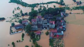 Thousands Stranded, Five killed, as Heavy Rain Lashes South China