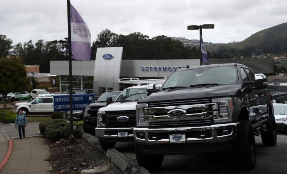 ford-cars-trucks-1150554656--600x365