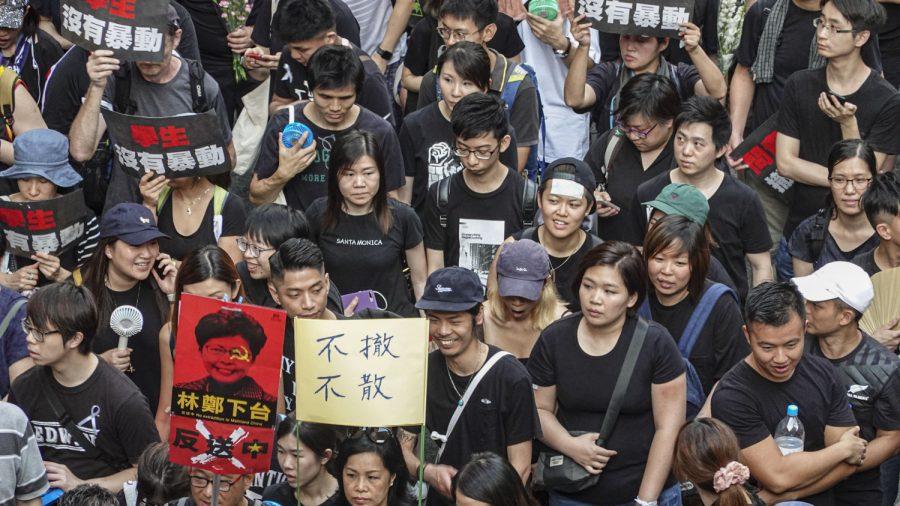 'Three Suspensions' Rally Gets Underway in Hong Kong