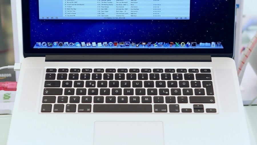 Man Experiences Shortness of Breath, Headaches, After His Apple Laptop Explodes