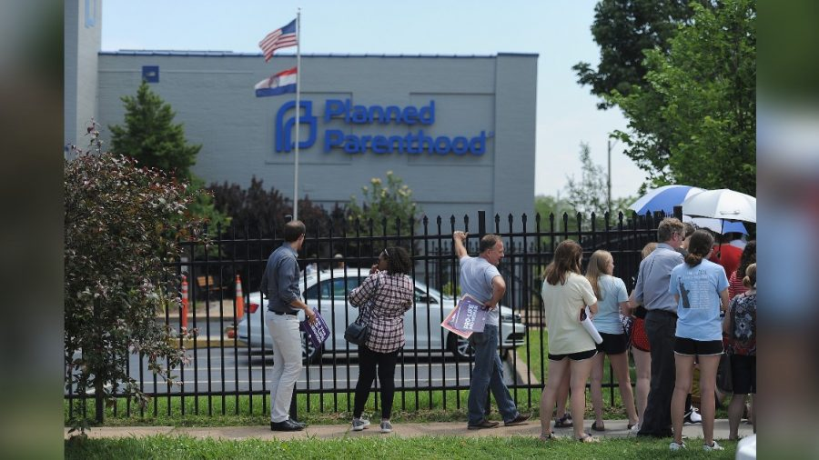 Missouri's Last Abortion Clinic to Stay Open, at Least Temporarily, Judge Rules