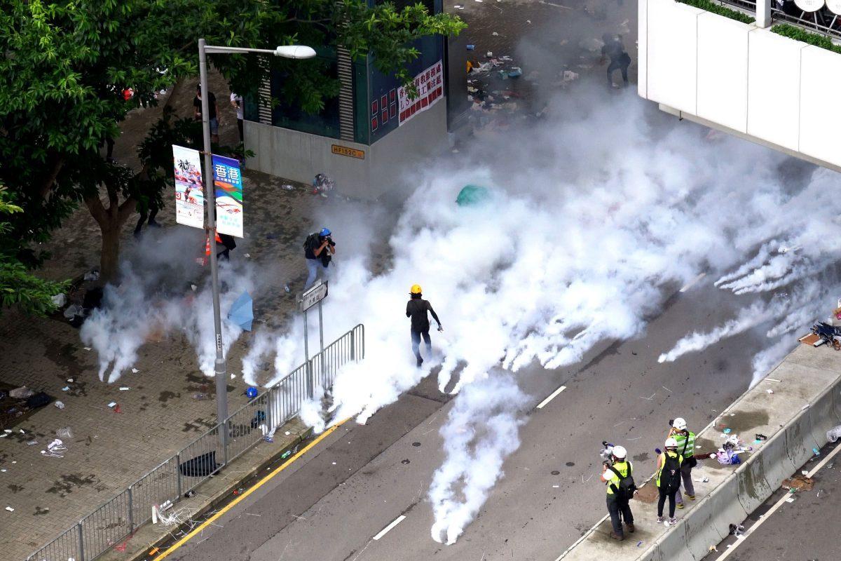 tear-gas-hong-kong-protest-1200x800