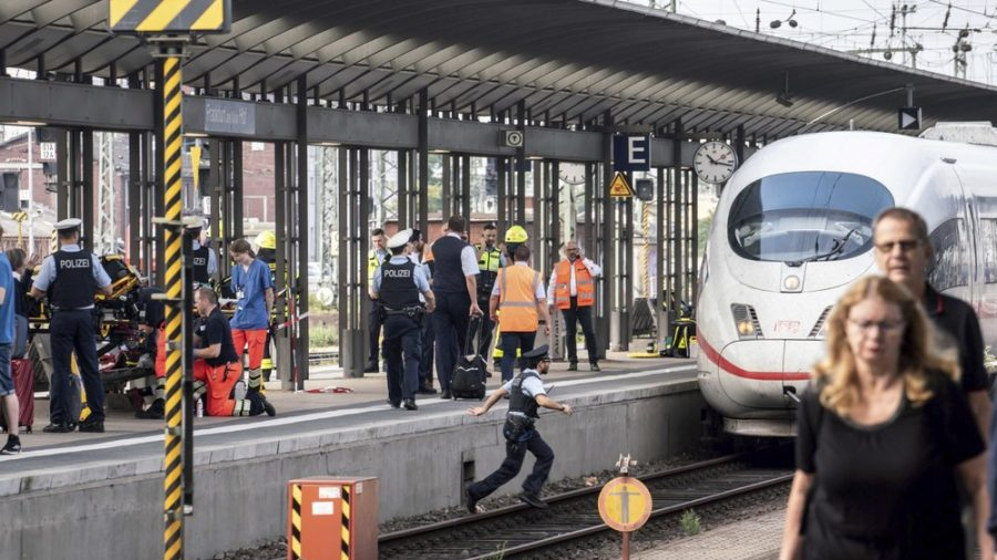 2 Die in Knife Attack at German Train Station