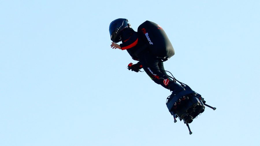 France's Flyboard Hero Franky Zapata Failed in His Attempt to Cross English Channel