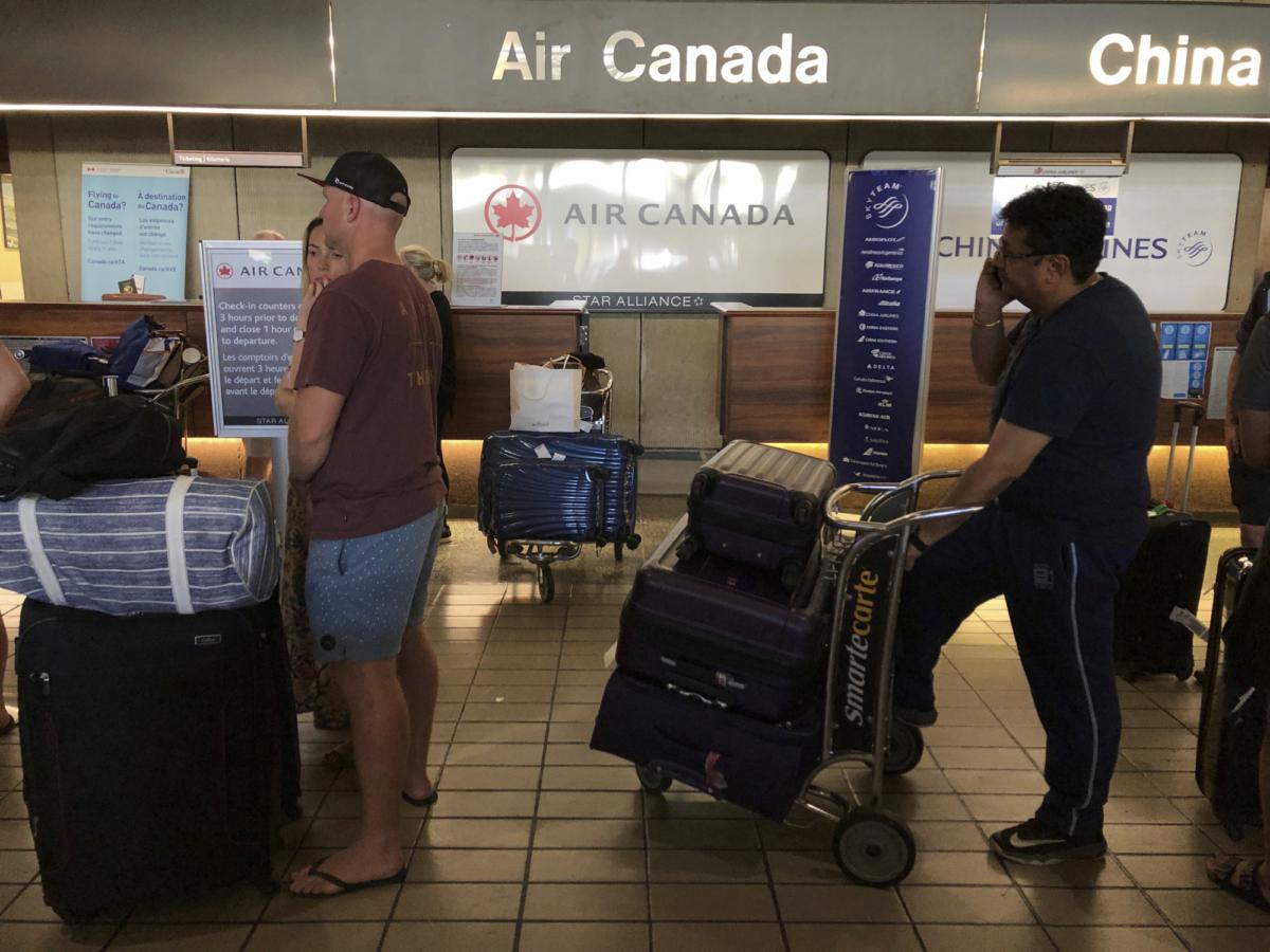 Passenger Air Canada flight