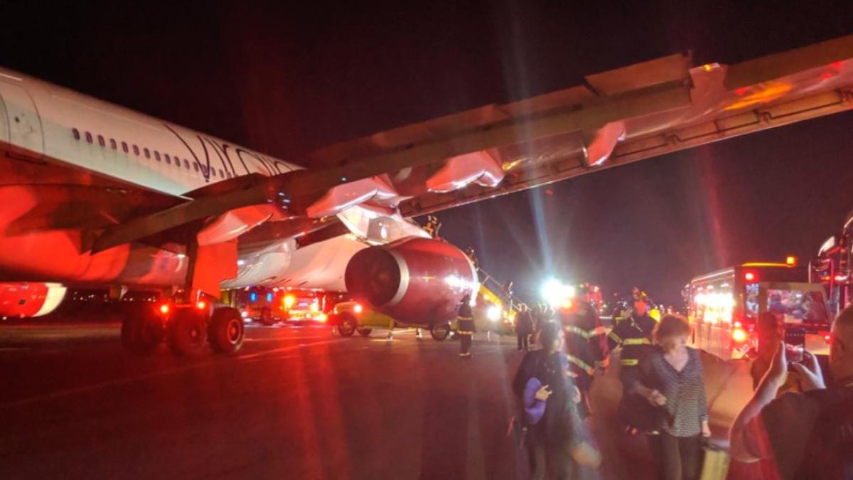 Virgin Atlantic airways plane