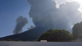 Volcanic Eruption Rocks Italian Island of Stromboli, Kills 1 Hiker