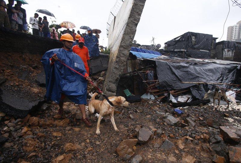 Wall collapse in Mumbai 2