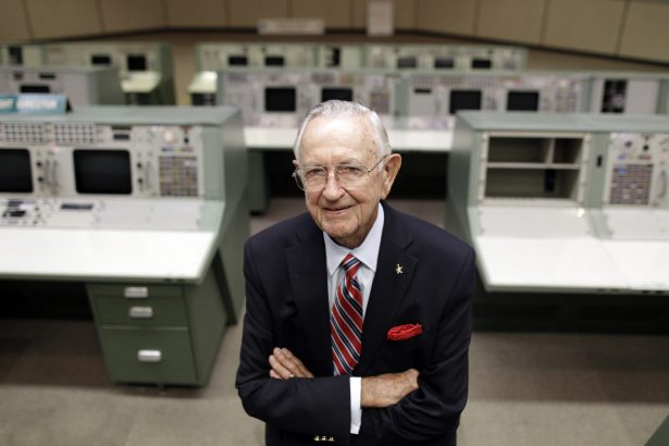 NASA Mission Control founder Chris Kraft in the old Mission Control