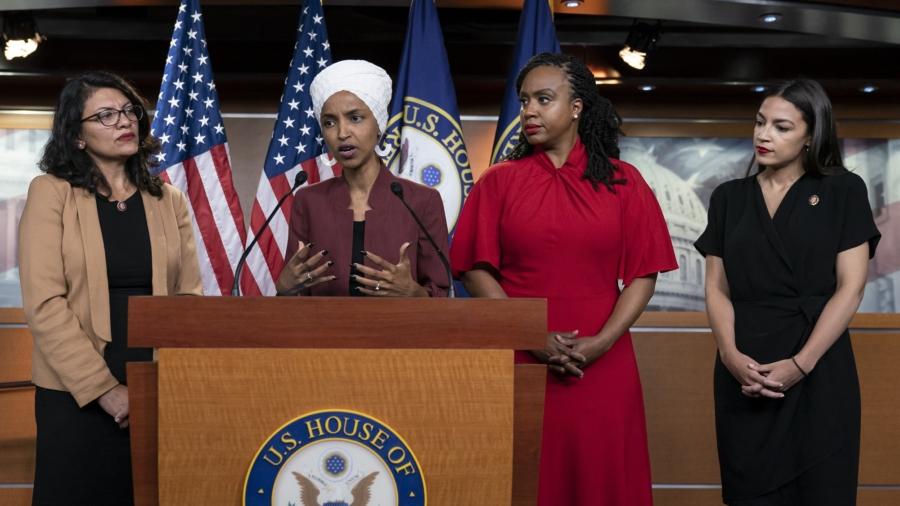Trump Says 4 Congresswomen Should 'Apologize to America'