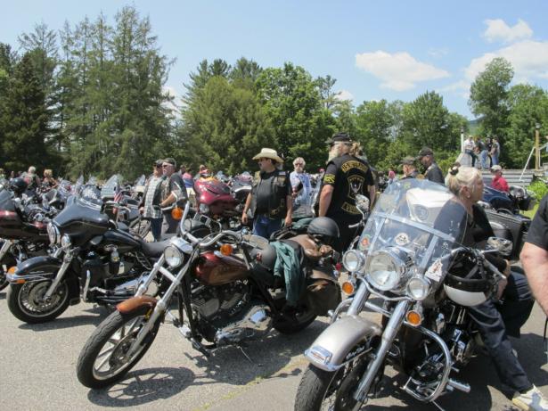 motorcyclists honor fallen