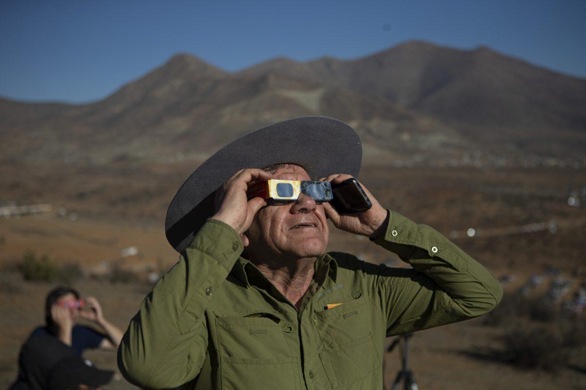 solar eclipse spectator 3