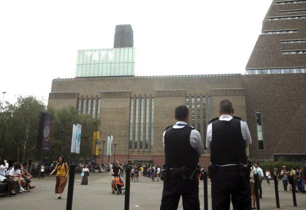 Teen Arrested in Boy's Fall From Top of London's Tate Modern