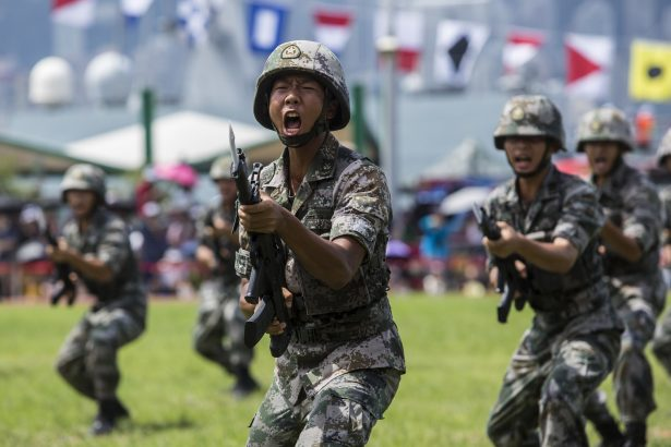hong kong-army-soldier-garrison-pla