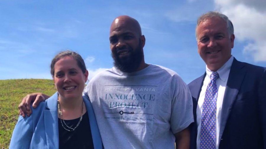 Man Walks Free After 21 Years in Prison When a Witness in the Murder Case Admits to the Killing