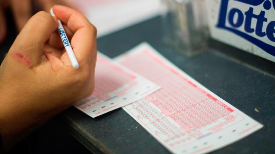 An Australian Man Says He's Starting an 'Endless Lunch Break' After Winning $96 Million Lottery Prize