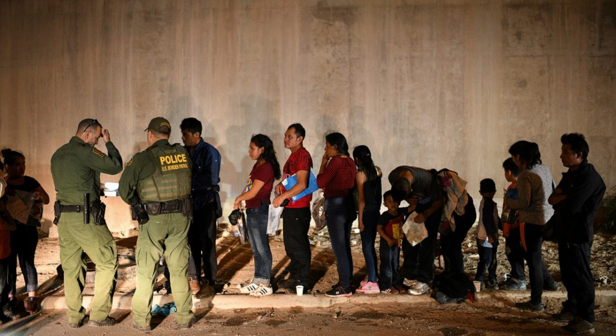 Illegal immigrant families turn themselves to U.S. Border Patrol