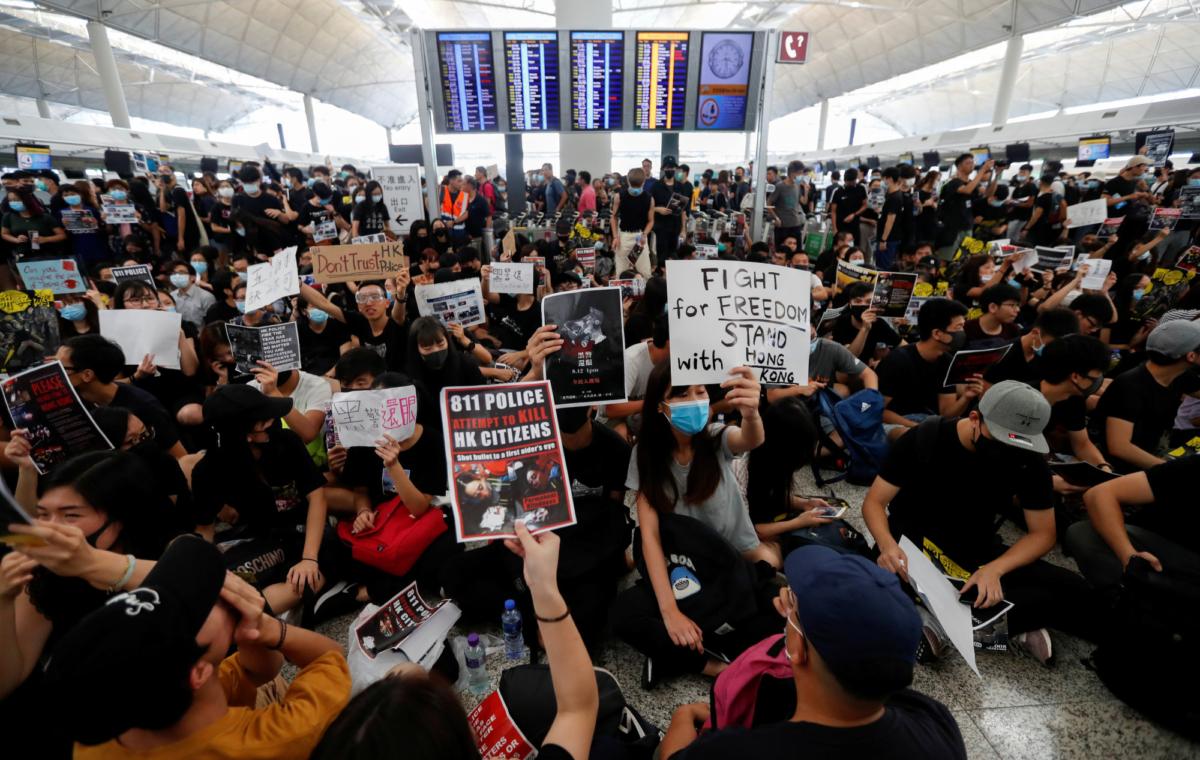 airport_HONGKONG-PROTESTS